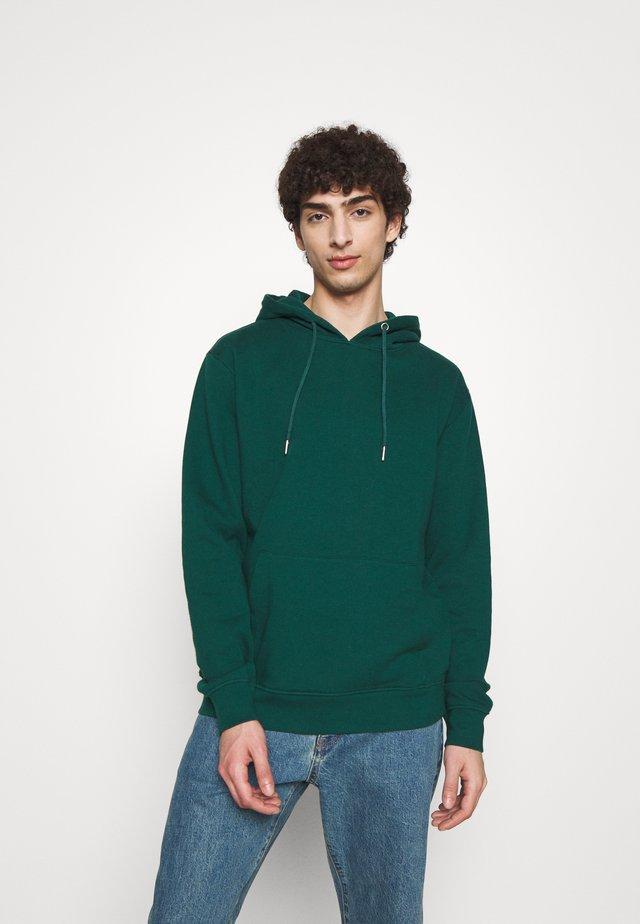 PAUL GABRIELE HOODIE - Bluza z kapturem - dark green