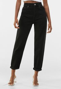 Bershka - MOM FIT - Jeansy Relaxed Fit - black - 0