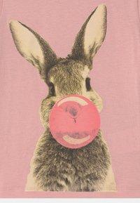 The New - RABBIT  - Print T-shirt - zephyr - 2