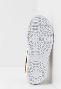 Nike Sportswear - COURT BOROUGH - Zapatillas - black - 5