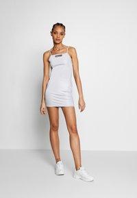 Ellesse - FLERES - Vestido de tubo - silver - 1