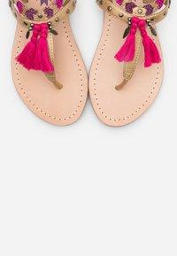 Kaporal - NAYA - Sandály s odděleným palcem - or - 5