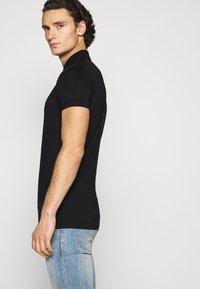Antony Morato - PLATE ON FRONT - Polo shirt - black - 4