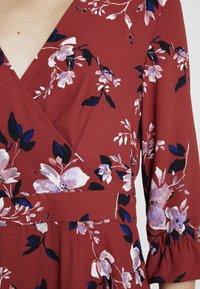 Vero Moda - VMREEDA V NECK DRESS - Day dress - cowhide - 5