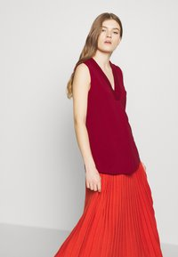 WEEKEND MaxMara - Top - bordeaux - 4