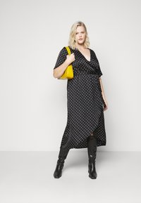 New Look Curves - MARK MAKING - Day dress - black - 1