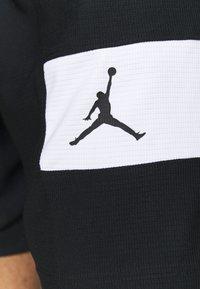 Jordan - AIR - Krótkie spodenki sportowe - black/white - 5