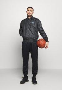 Nike Performance - NBA BROOKLYN NETS CITY EDITION JACKET - Träningsjacka - black - 1