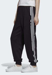 adidas Originals - BELLISTA SPORTS INSPIRED JOGGER PANTS - Pantalones deportivos - black - 2