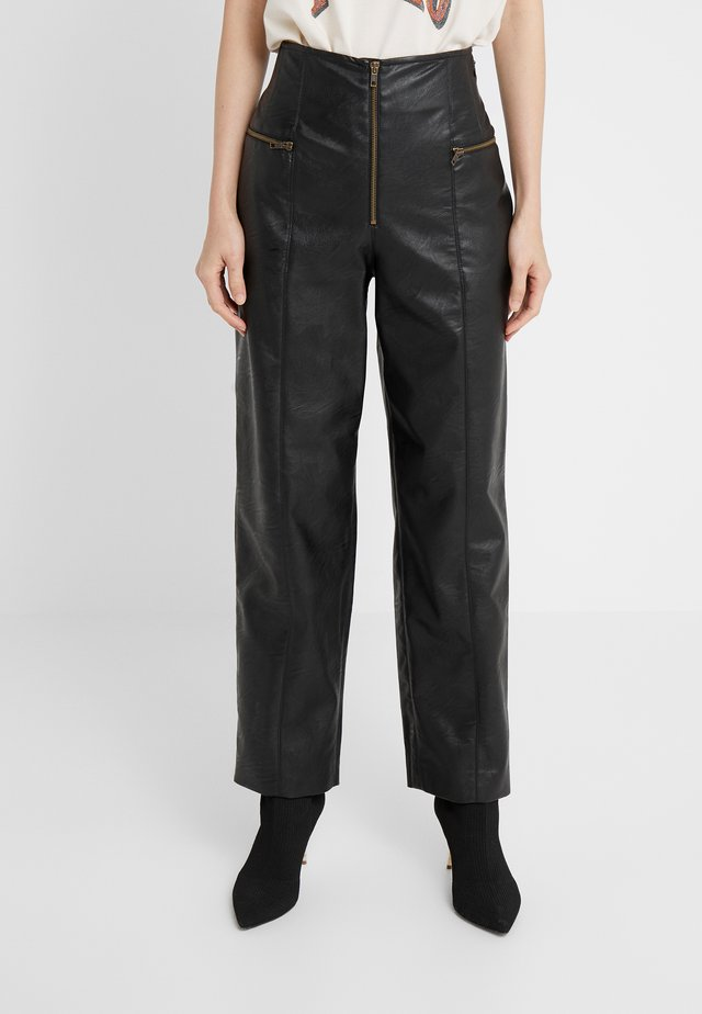 PANTALONE IN SIMILPELLE - Trousers - nero