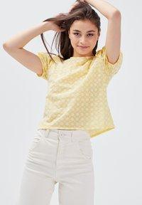 BONOBO Jeans - Blusa - jaune clair - 3
