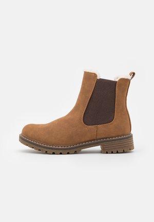 VEGAN KODII - Winter boots - cognac