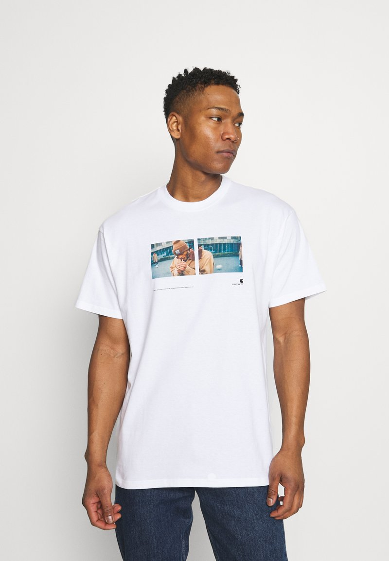 Carhartt WIP - BACKYARD - Print T-shirt - white