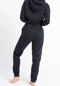 Chelsea Peers - NYC LOUNGE - Tracksuit bottoms - navy - 1