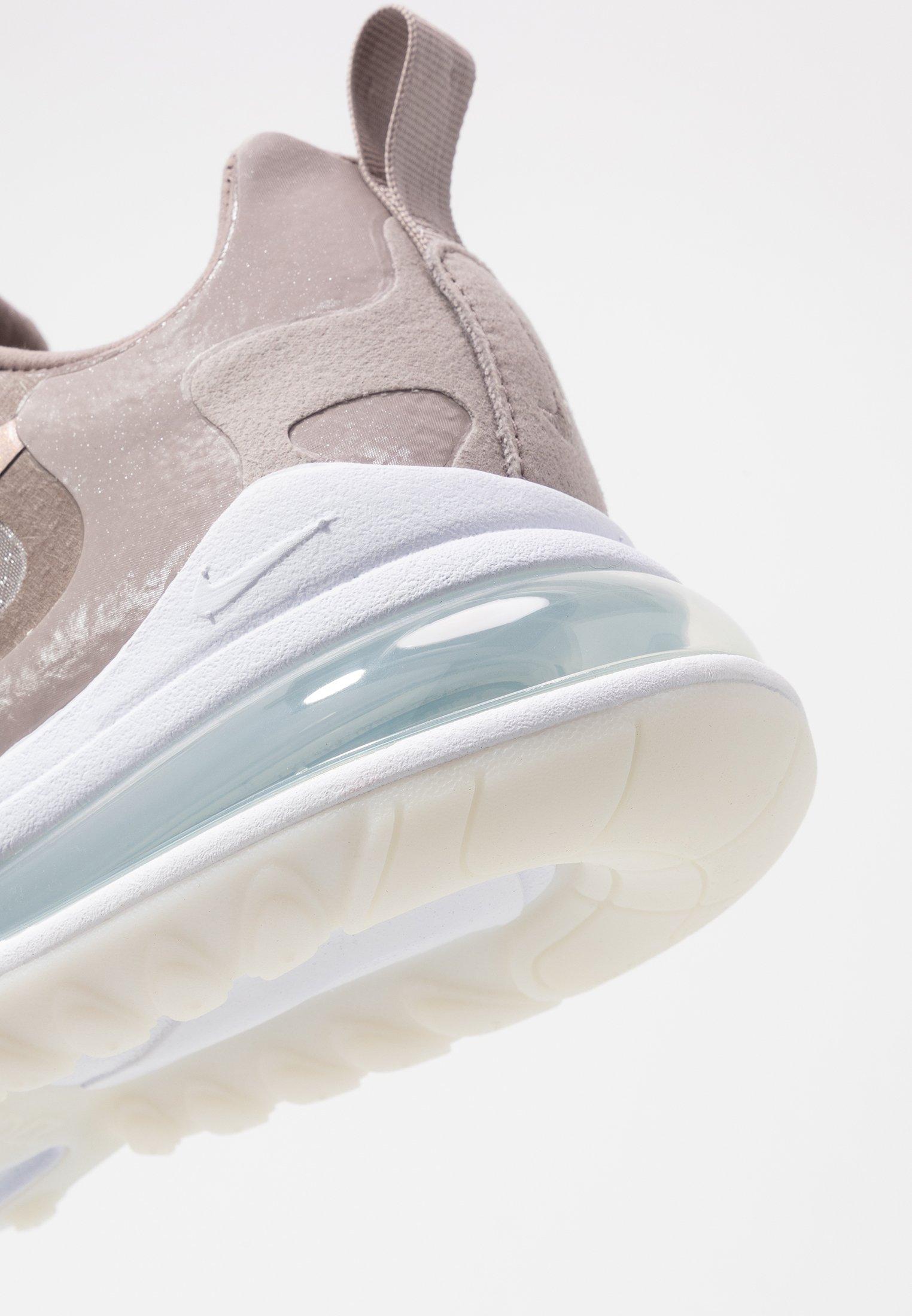 Nike Sportswear AIR 270 REACT SE Joggesko pumicewhite