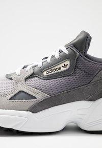 adidas Originals - FALCON - Sneakers - grey one/grey two/grey four - 2