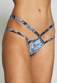 Wolf & Whistle - JEWEL BAROQUE BOTTOM - Bikini bottoms - blue - 4