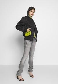 Pepe Jeans - VENUS - Straight leg jeans - grey denim - 1