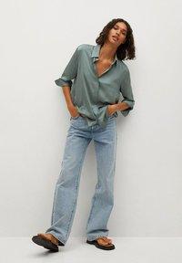 Mango - FLUIDE  - Button-down blouse - vert - 1