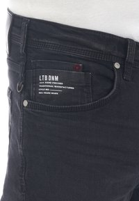 LTB - CORVIN - Denim shorts - black denim - 1