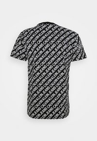Calvin Klein Jeans - DIAGONAL TEE - Triko spotiskem - black - 6