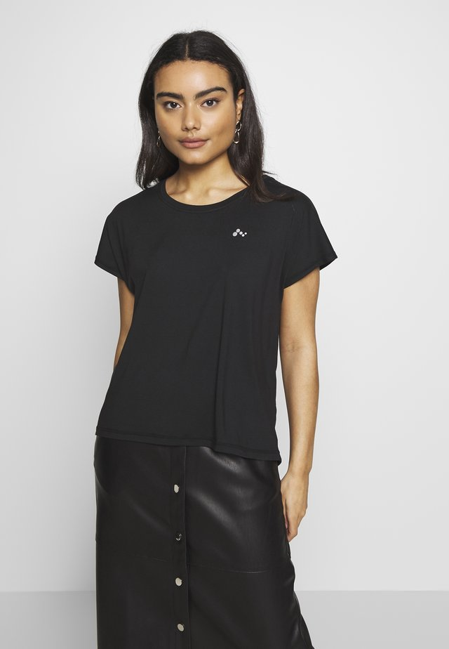 ONPAUBREE LOOSE TRAINING TEE - T-shirt imprimé - black