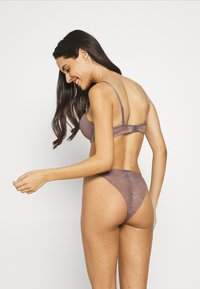 Calvin Klein Underwear - BRAZILIAN - Briefs - plum dust - 2