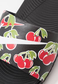 Nike Performance - KAWA SLIDE SE PICNIC  - Pool slides - black/white/track red/pear
