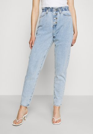 RIOT HIGHWAISTED MOM VINTAGE - Jeansy Relaxed Fit - blue
