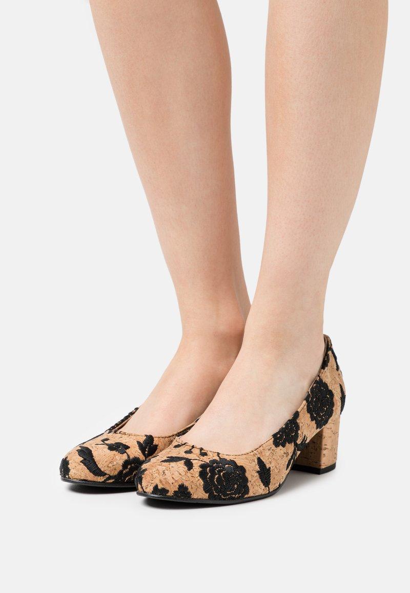 NAE Vegan Shoes - LINA VEGAN  - Czółenka - brown
