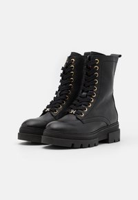 Tommy Hilfiger - RUGGED CLASSIC BOOTIE - Platform ankle boots - black - 2