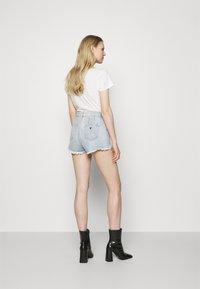 Guess - ALEXIA - Denim shorts - piky - 2
