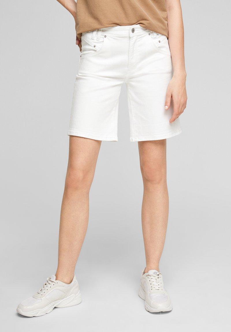 s.Oliver - Denim shorts - white