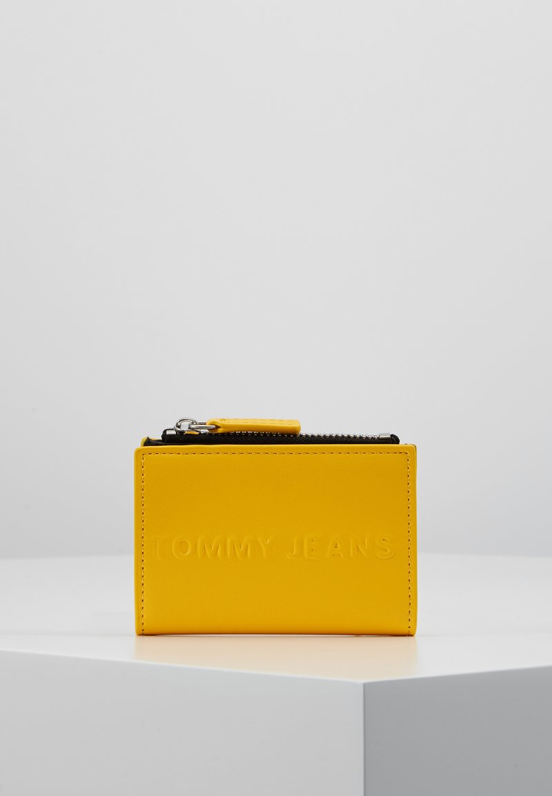 Tommy Jeans - BOLD COIN POCKET - Wallet - yellow