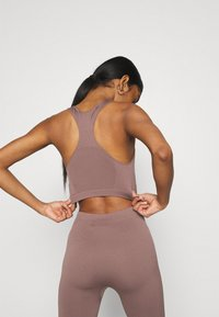 Weekday - CILLI SEAMLESS  - Débardeur - brown plum - 3