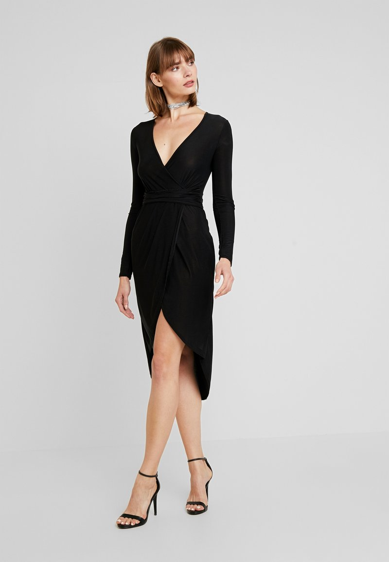 Missguided - SLINKY PLUNGE WRAP BELT DETAIL MIDI DRESS - Jerseyjurk - black