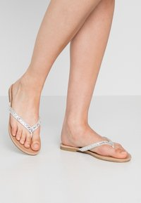 Head over Heels by Dune - LUCCII - T-bar sandals - white - 0