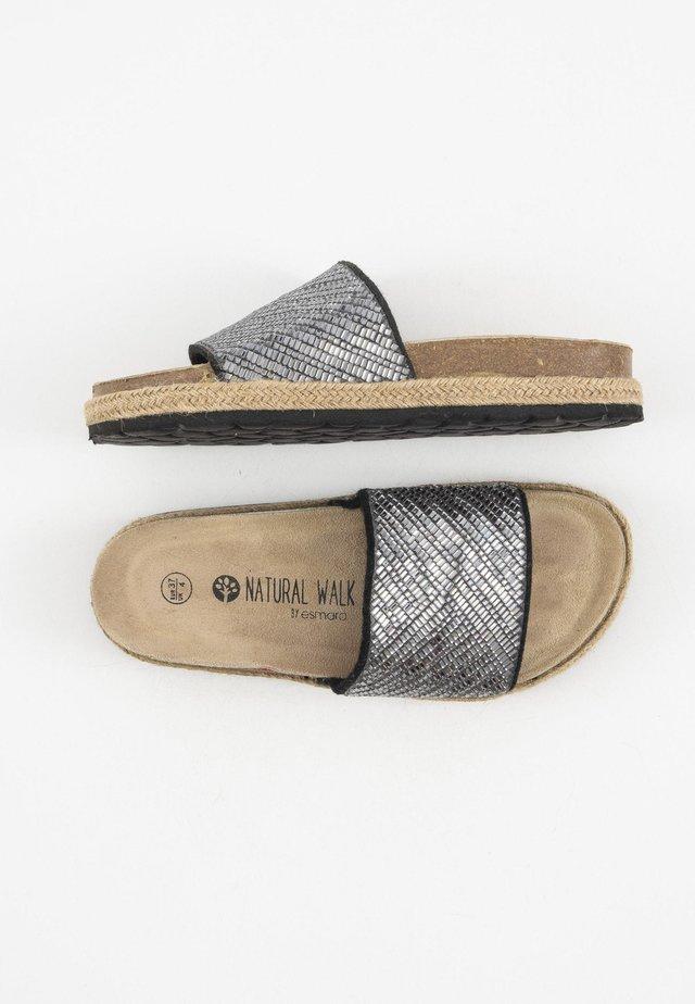 Muiltjes - gray