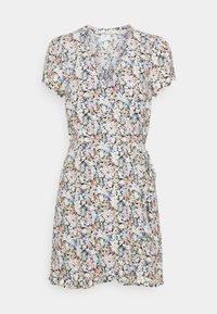 Abercrombie & Fitch - RUFFLE WRAP DRESS - Denní šaty - black/multi - 0