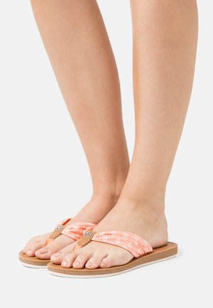 T-bar sandals - salmon