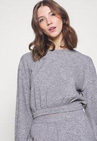 Miss Selfridge - BRUSHED ELASTIC - Sweatshirt - grey - 4