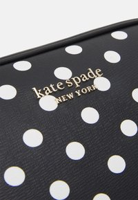 kate spade new york - MEDIUM CAMERA BAG - Across body bag - black - 5