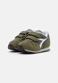 Diadora - SIMPLE RUN UNISEX - Neutral running shoes - green rosemary - 1