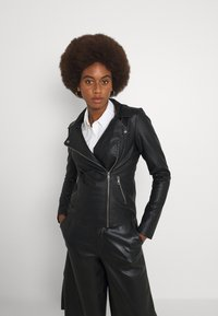 ONLY Tall - ONLMELISA BIKER - Giacca in similpelle - black - 0