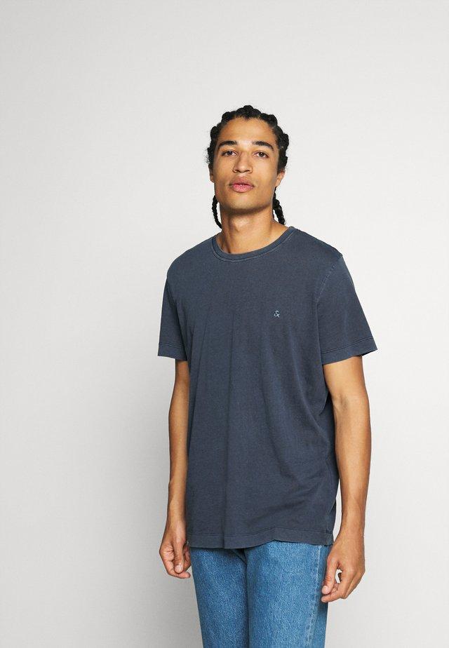 Basic T-shirt - navy blazer