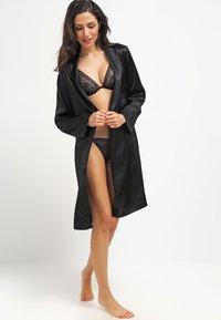 La Perla - VESTAGLIA CORTA - Dressing gown - nero - 1