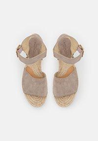 JUTELAUNE - PLATFORM  - Platform sandals - nude - 5