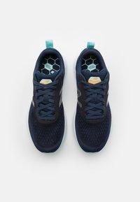 New Balance - FRESH FOAM ARISHI - Neutral running shoes - navy/silver - 3