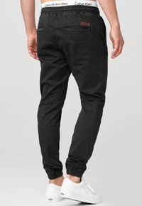 INDICODE JEANS - FIELDS - Trousers - black - 2