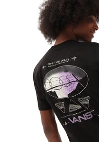 Vans - MN AREA 66 SS - T-shirt con stampa - black - 1
